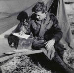 ww2-soldier-writing